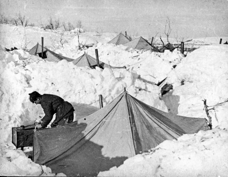 Зимний лагерь красноармейцев в Карелии. 1940 г.