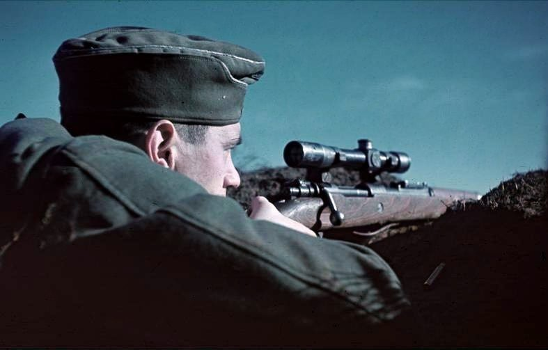 Снайпер под Сталинградом. 1942 г.