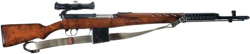 Самозарядная винтовка Токарева СВТ-40 с оптическим прицелом ПУ.
