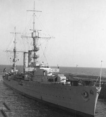 Корабельное орудие 15-cm/48 SK C/36 в одноорудийной башне на легком крейсере «Emden