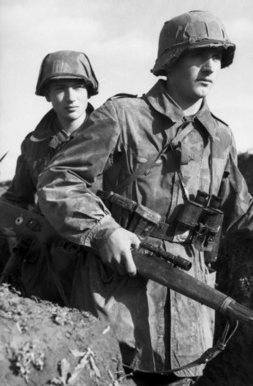Снайперская пара Люфтваффе. Восточный фронт. 1942 г.