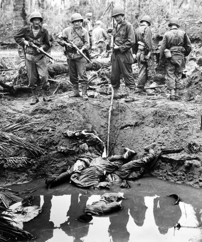 Японские снайперы, уничтоженные в сражении на острове Лейте. Филлипины.1944 г.
