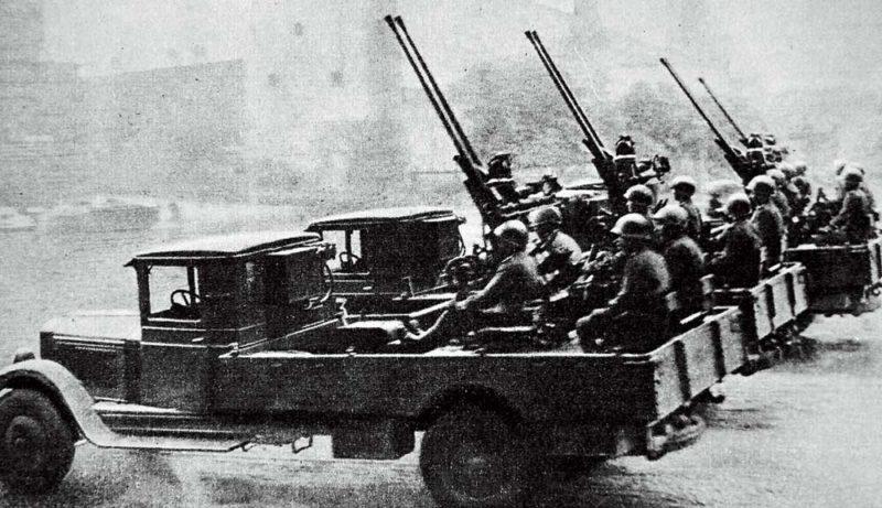 Зенитные пушки 94-КМ на автомобилях ЗИС-14