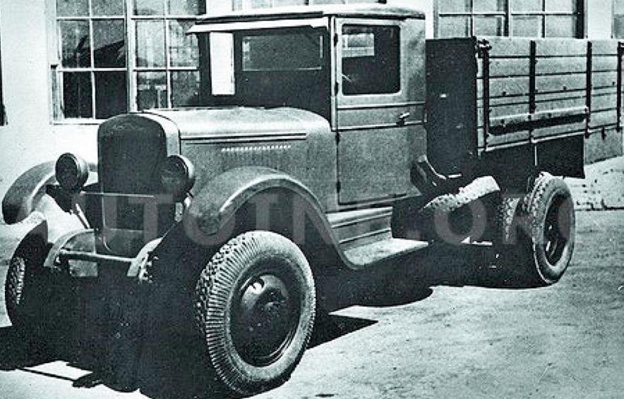 Бортовой грузовик ЗиС-32