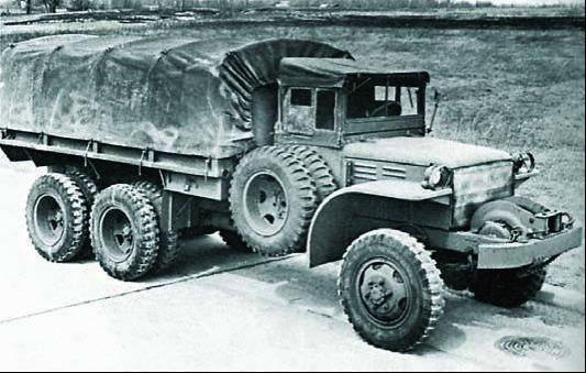 Бортовой грузовик GMC DAKW