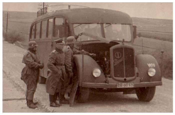 Армейский автобус Gräf & Stift V-6D