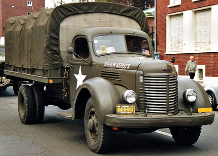 Бортовой грузовик International Harvester KR-11