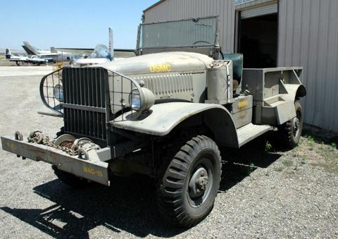 Автомобиль International Harvester M-2-4 с передней лебедкой