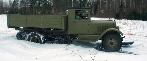 Автомобиль с гусеничным движителем ЗиС-35