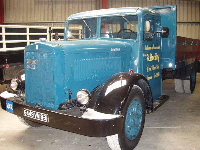 Бортовой грузовик Berliet GDRА