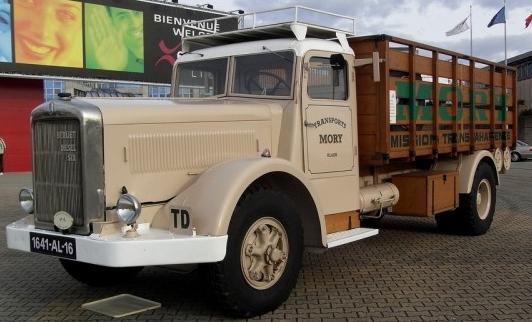 Бортовой грузовик Berliet GDM