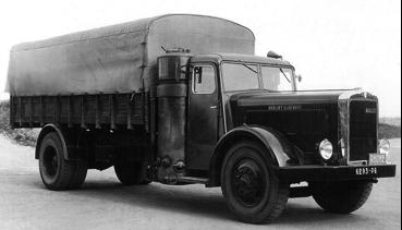 Бортовой грузовик с газогенератором Berliet GDM