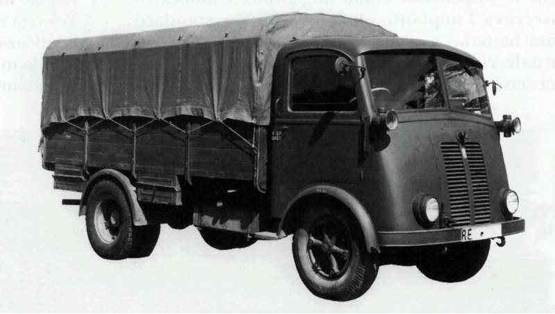 Грузовик  Isotta-Fraschini  D-65 с тентом