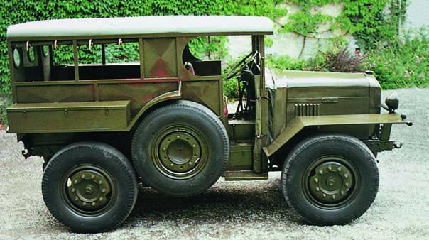 Автомобиль Latil М-2TL6