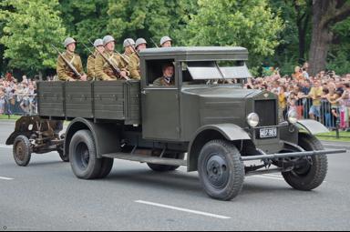 Бортовой грузовик Polski-Fiat  621-L