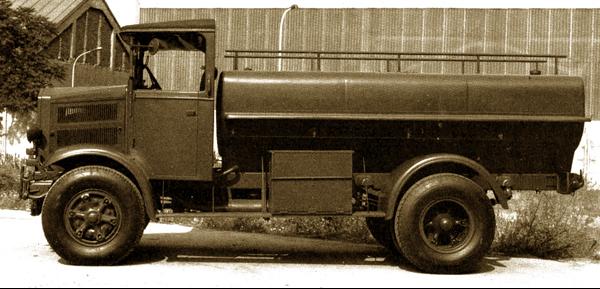 Топливозаправщик на базе Lancia RO NM