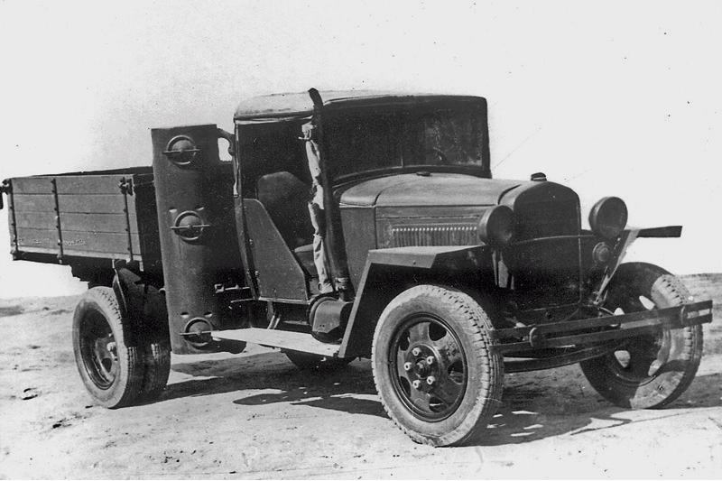 Газогенераторный автомобиль ГАЗ-42