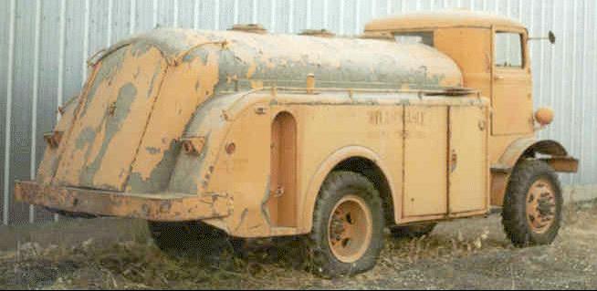 Топливозаправщик Autocar U-4144