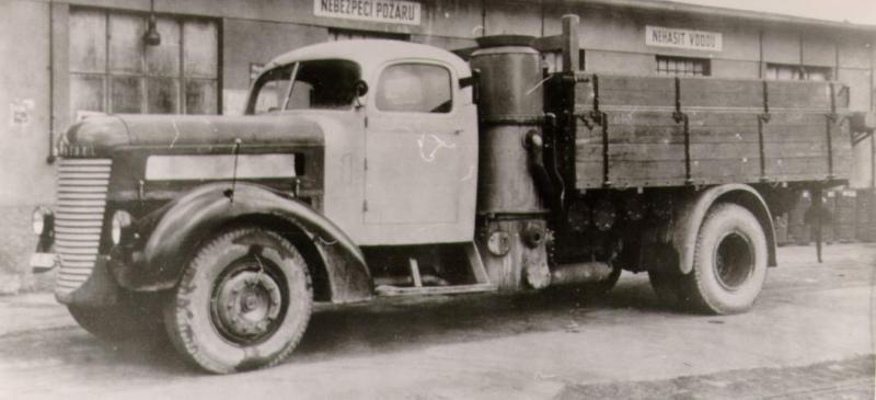 Грузовик Praga ND с газогенератором.