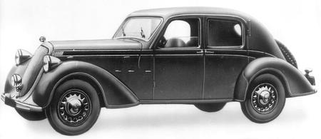 Седан Steyr-220
