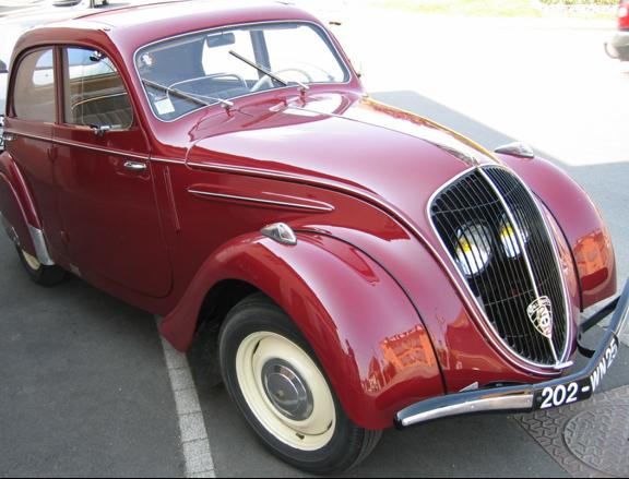 Седан Peugeot-202