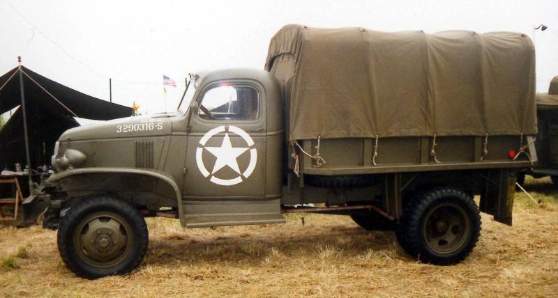 Бортовой грузовик Chevrolet G-7107 (с деревянным кузовом и тентом)