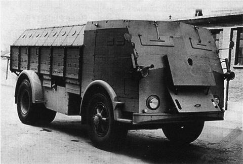 Бортовой грузовик Fiat 665-NM с бронированным кузовом и кабиной
