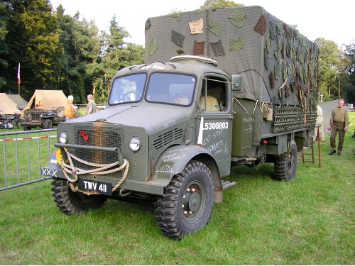 Бортовой грузовик Bedford OYD