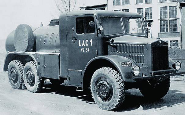 Топливозаправщик  Tatra-85