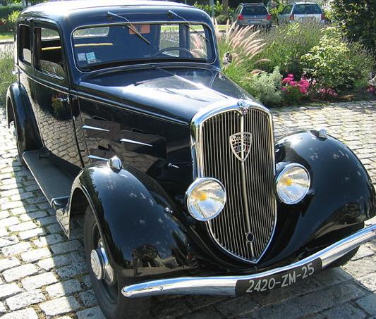Седан Peugeot-401