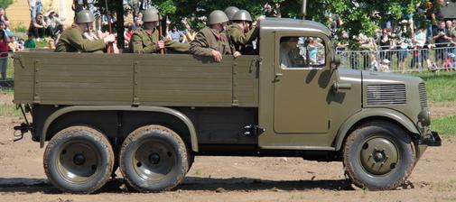 Бортовой грузовик Tatra-92