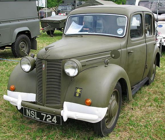 4-дверный седан Austin-8