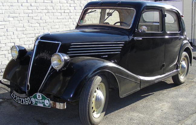 Cедан Renault Primaquatre