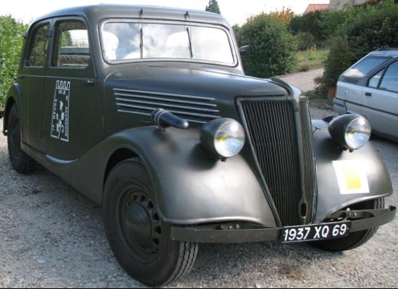 Седан Renault Novaquatre