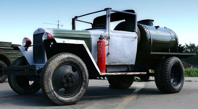 Бензозаправщик БЗ-38 на базе ГАЗ-АА