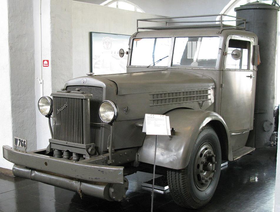 Шасси грузовика Scania-Vabis 335/1 с газогенератором