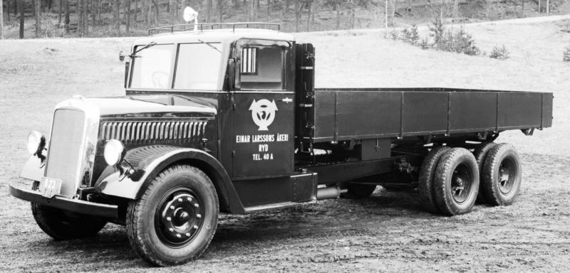 Трехосный грузовик Scania-Vabis 335/1