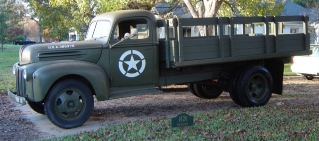 Бортовой грузовик Ford 2-G8T