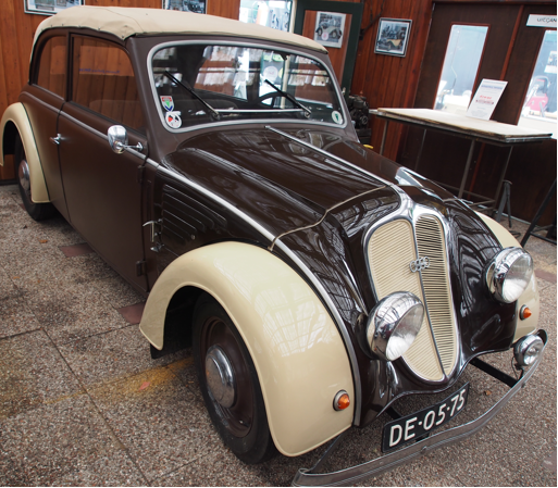 Автомобиль DKW Schwebeklasse Cabrio-Limousine