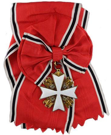 Орден немецкого Орла с плечевой лентой и бантом