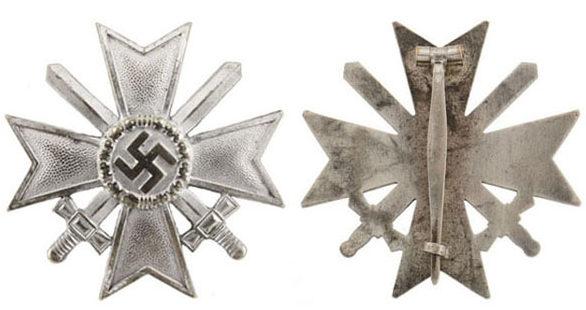 Аверс и реверс Креста военных заслуг 1 класса (Kriegsverdienstkreuz 1.Klasse) с мечами.