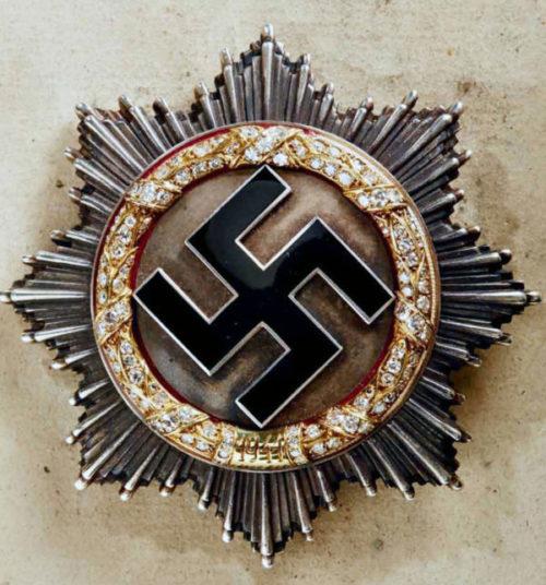 Немецкий крест в золоте с бриллиантами.