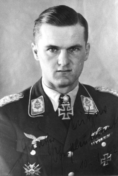 Лютцов Гюнтер (Gunther Lutzow) (04.09.1912 – 24.04.1945)