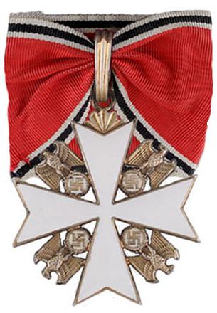 Орден Немецкого Орла 1-го класса.