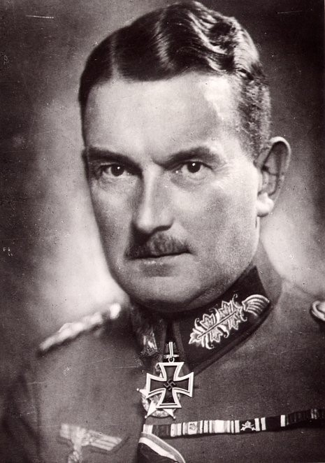 Шоберт Ойген Зигфрид Эрих Риттер фон (Eugen Siegfried Erich Ritter von Schobert) (13.03.1883 – 12.09.1941)