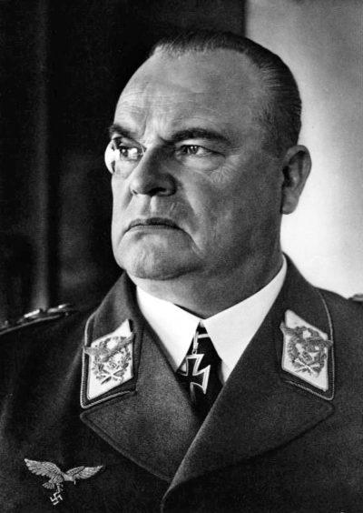 Шперле Хуго (Hugo Sperrle) (07.02.1885 – 02.04.1953)