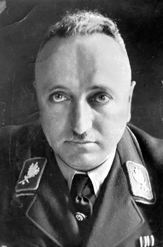 Лей Роберт (Robert Ley) (15.02.1890 - 24.10.1945)