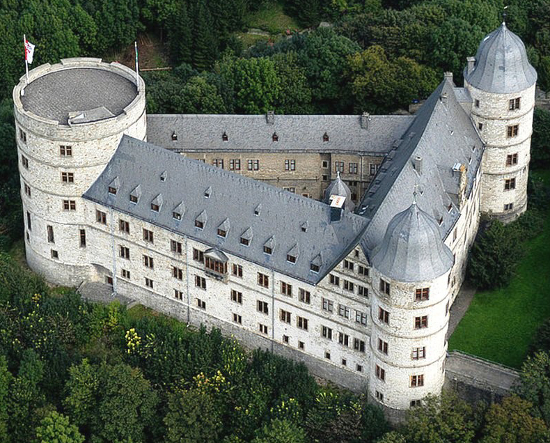 Общий вид замка Вевельсбург в наши дни