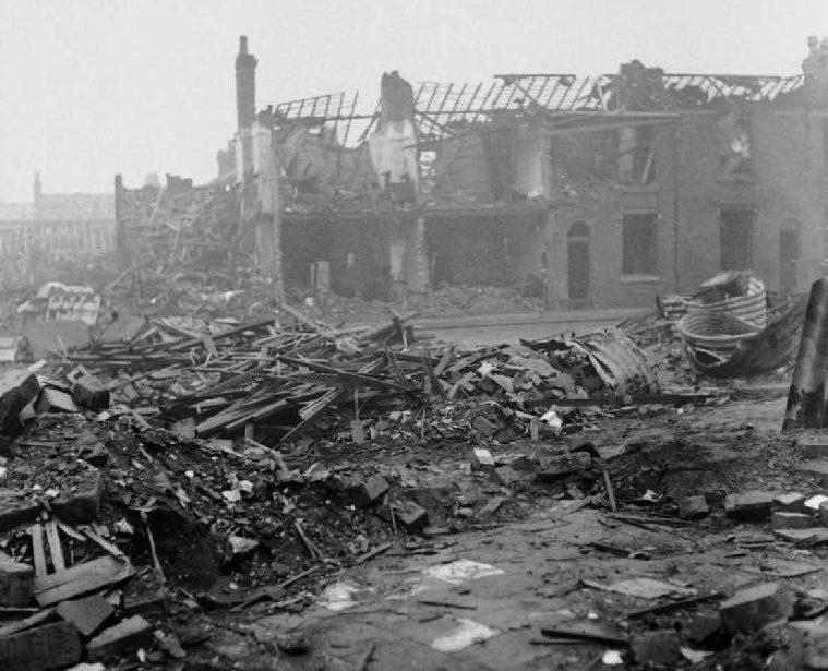 После воздушного налета. Бирмингем. 1940 г.