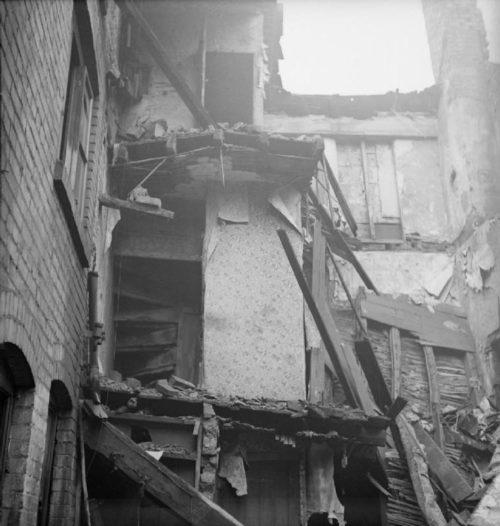 Поврежденный дом. Бирмингем. 1940 г.